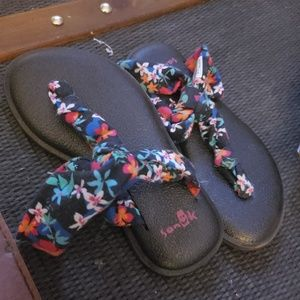 Girls Sanuk Yoga Sandals